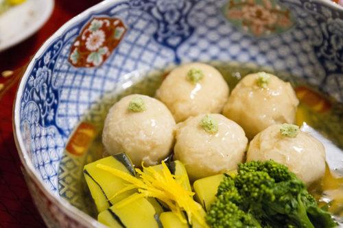 料亭春海の卓袱料理(団子)