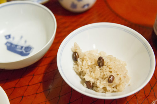 料亭春海の卓袱料理(赤飯)