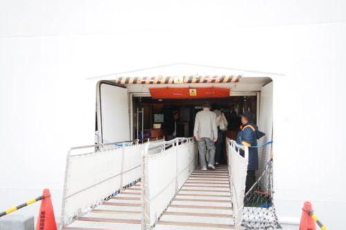 船の入り口
